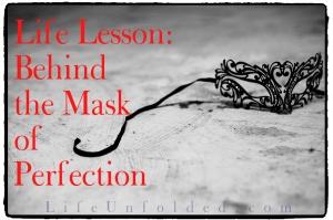 mask-875534_1280